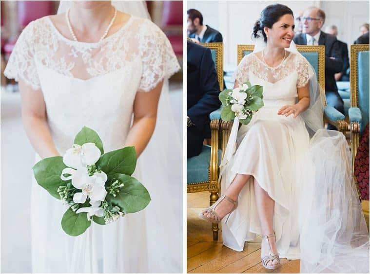 Mariée heureuse avec son bouquet