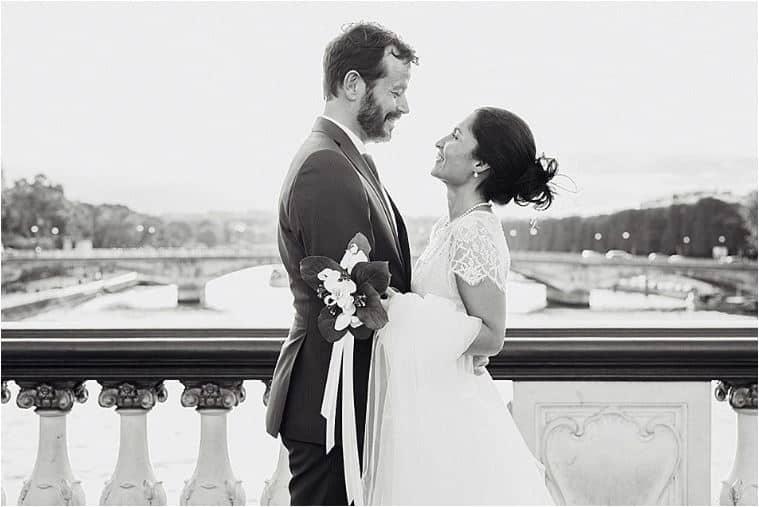 les mariés sur le pont Alexandre III