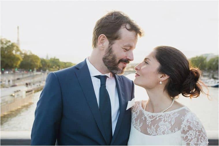 Le bonheur des mariés parisiens