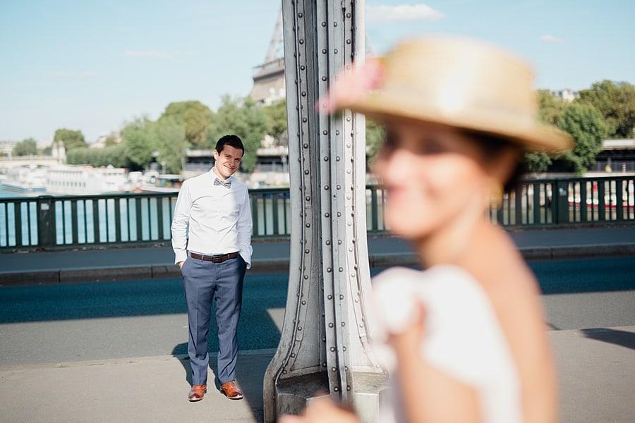Couple sous le pont Bir Hakeim