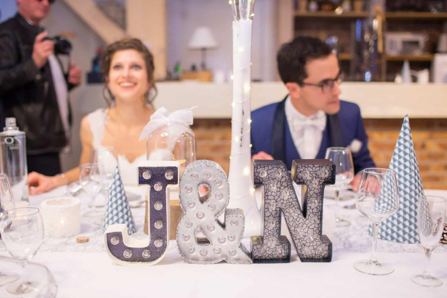les mariés sont à table