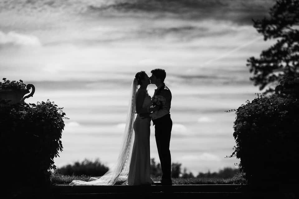 séance couple en noir et blanc