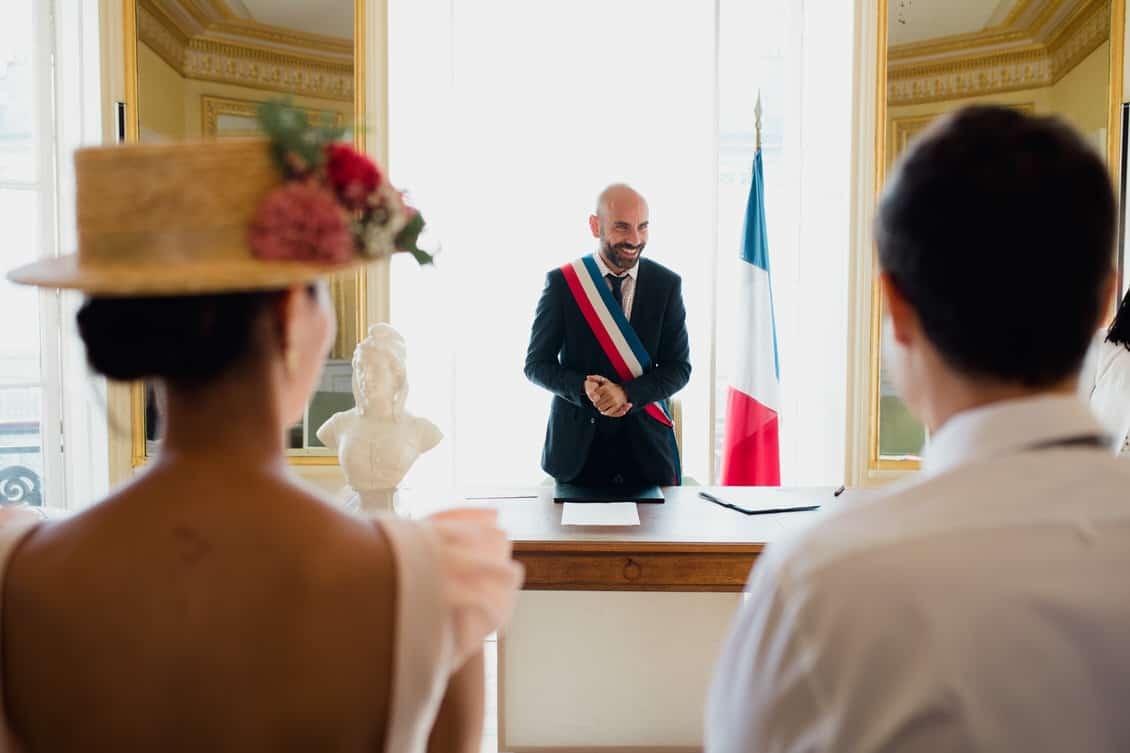 un mariage dans une mairie parisienne