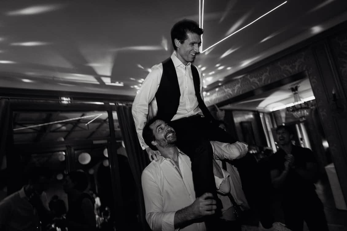 Grosse fête le soir du mariage